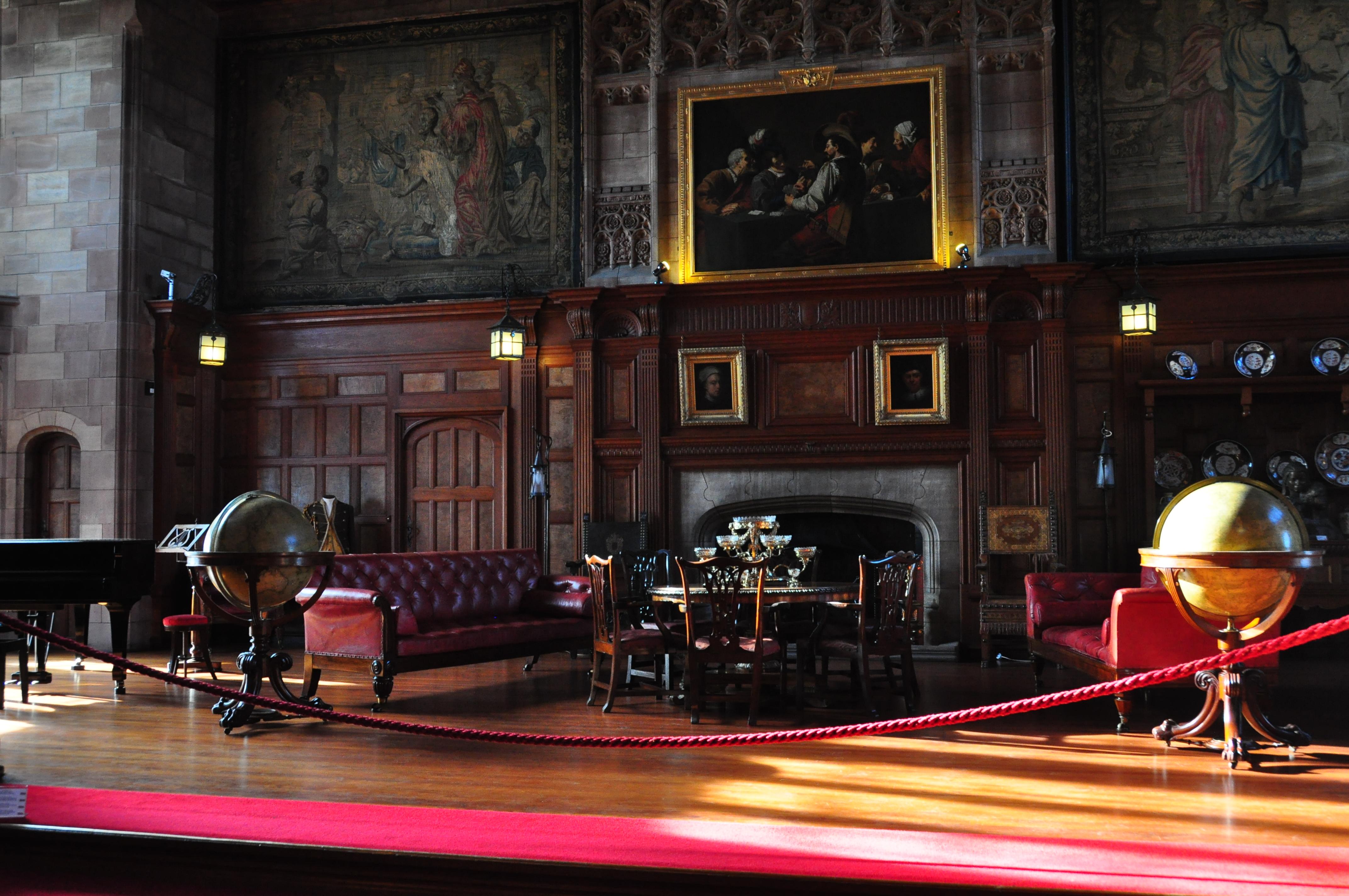 File:Bamburgh Castle Interior (5474430558).jpg - Wikimedia ...