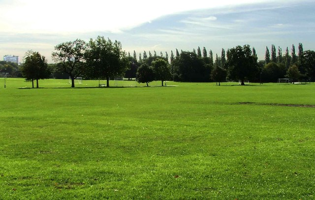Barnet Playing Fields, Barnet Lane looking South-East. - geograph.org.uk - 58847