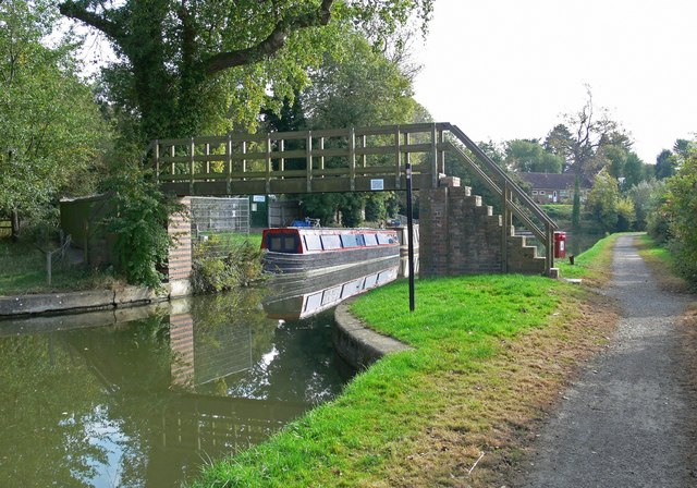 Bridge 14, Wooden Stepbridge - geograph.org.uk - 579743