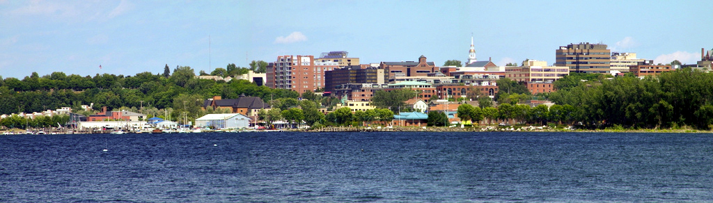 Burlington seen from Lake Champlain.jpg
