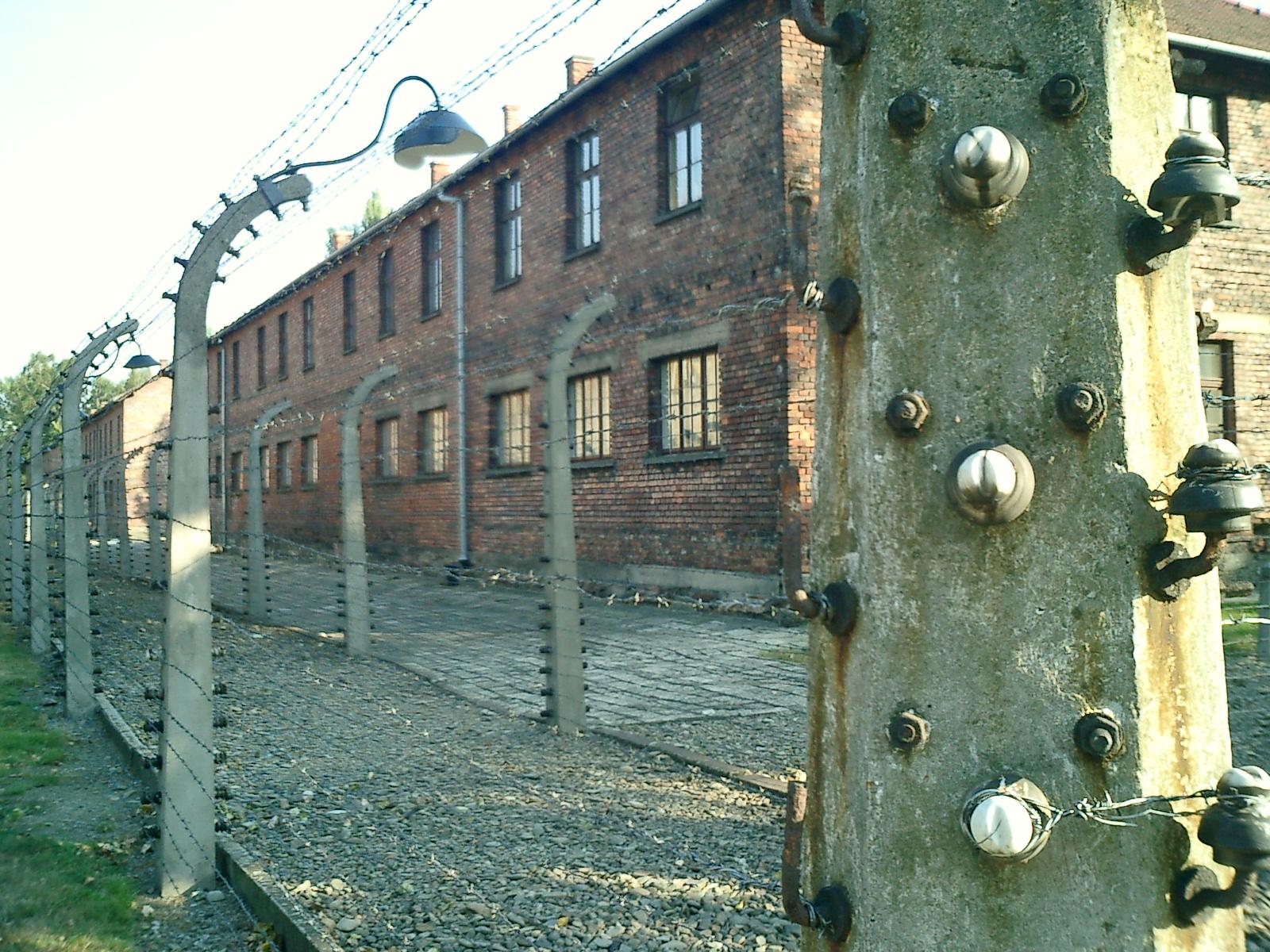 file:campo de concentracion auschwitz-polonia0066 - wikimedia