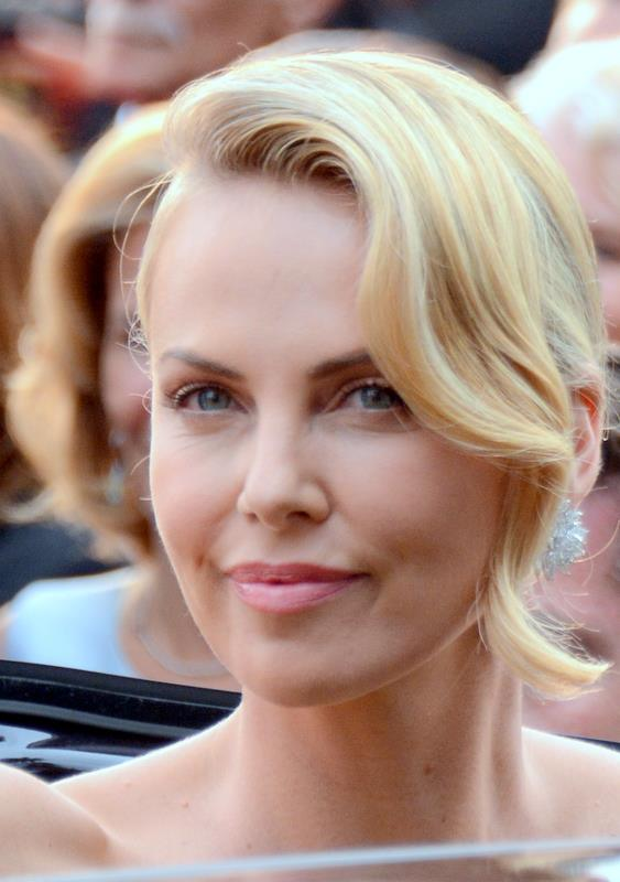 charlize theron son