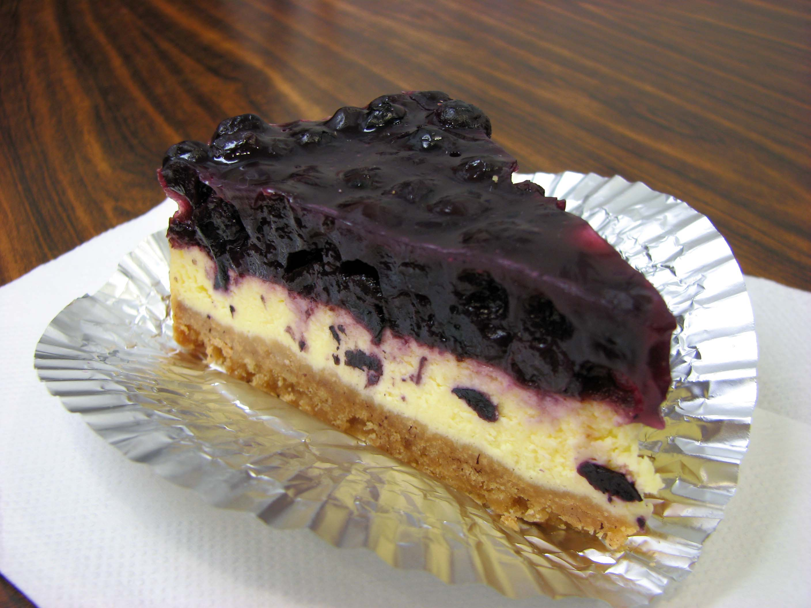 Файл:Cheesecake with blueberry topping.jpg — Уикипедия
