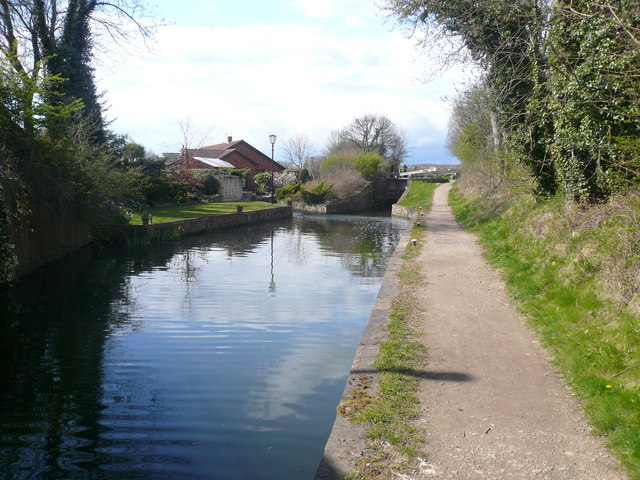 Chesterfield Canal - Approaching Shireoaks Bottom Lock No 44 - geograph.org.uk - 768506