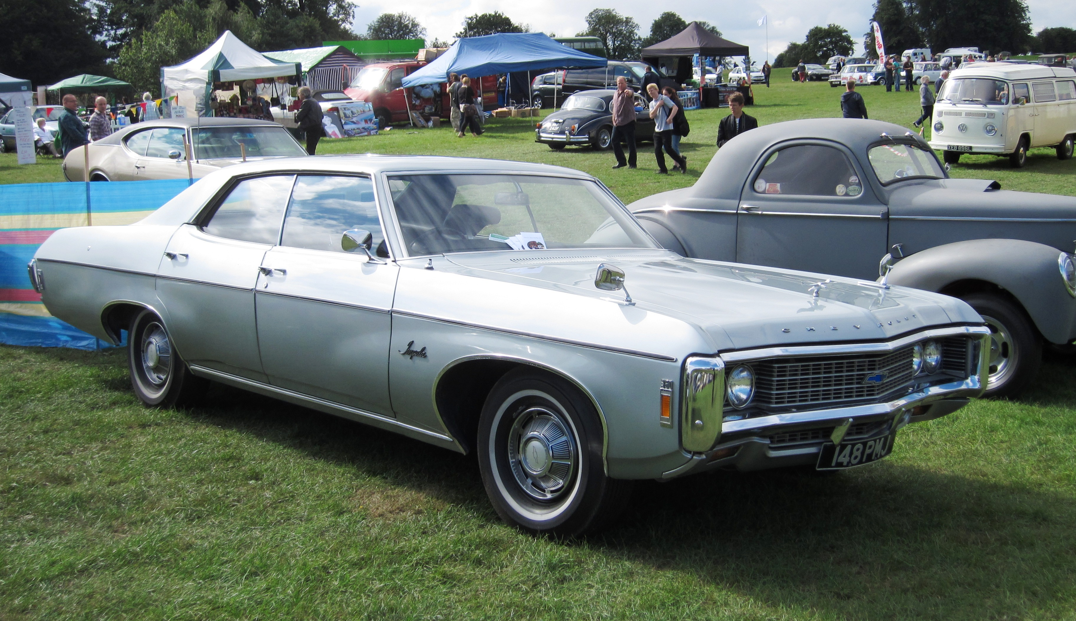 File Chevrolet Impala Sedan Ca 1969 Jpg Wikimedia Commons