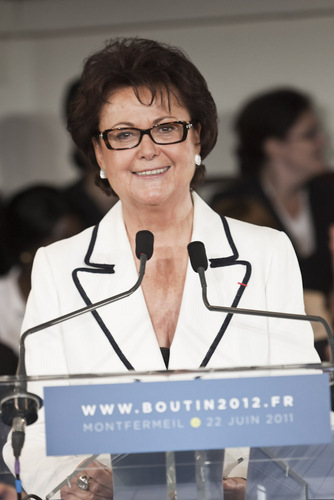 Lire la suite : Christine Boutin candidate face au Press Club