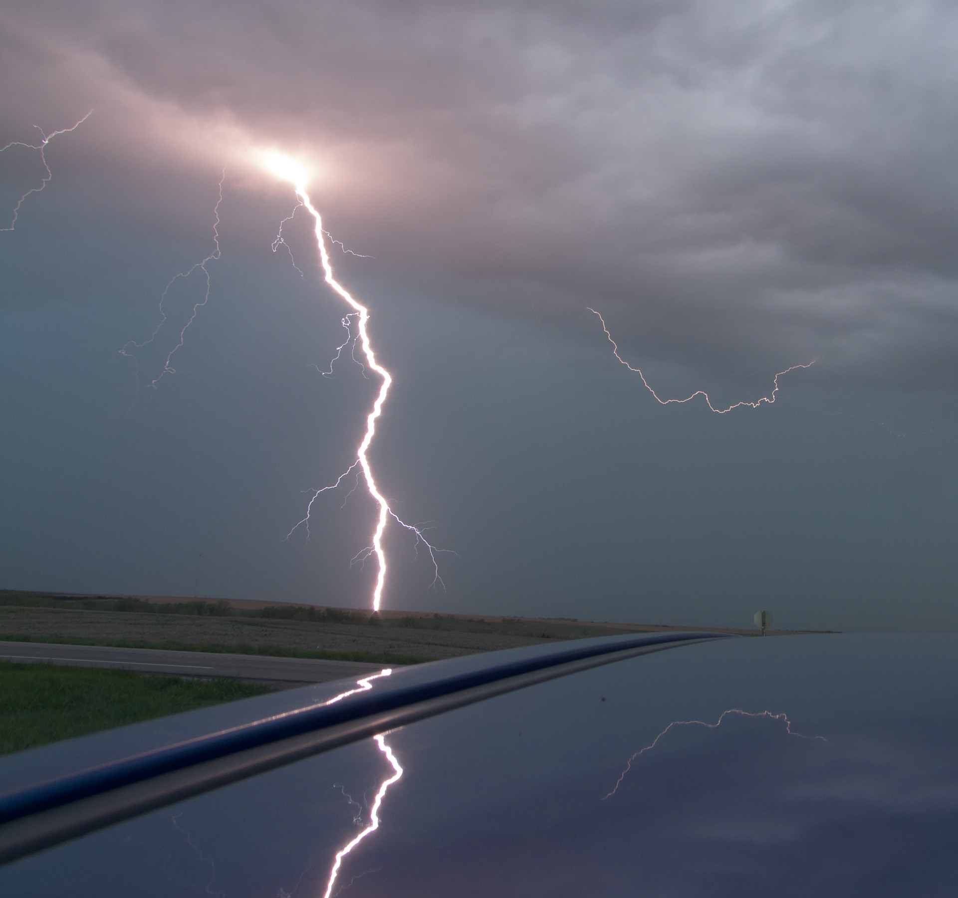 file cloud to ground lightning jpg wikimedia commons
