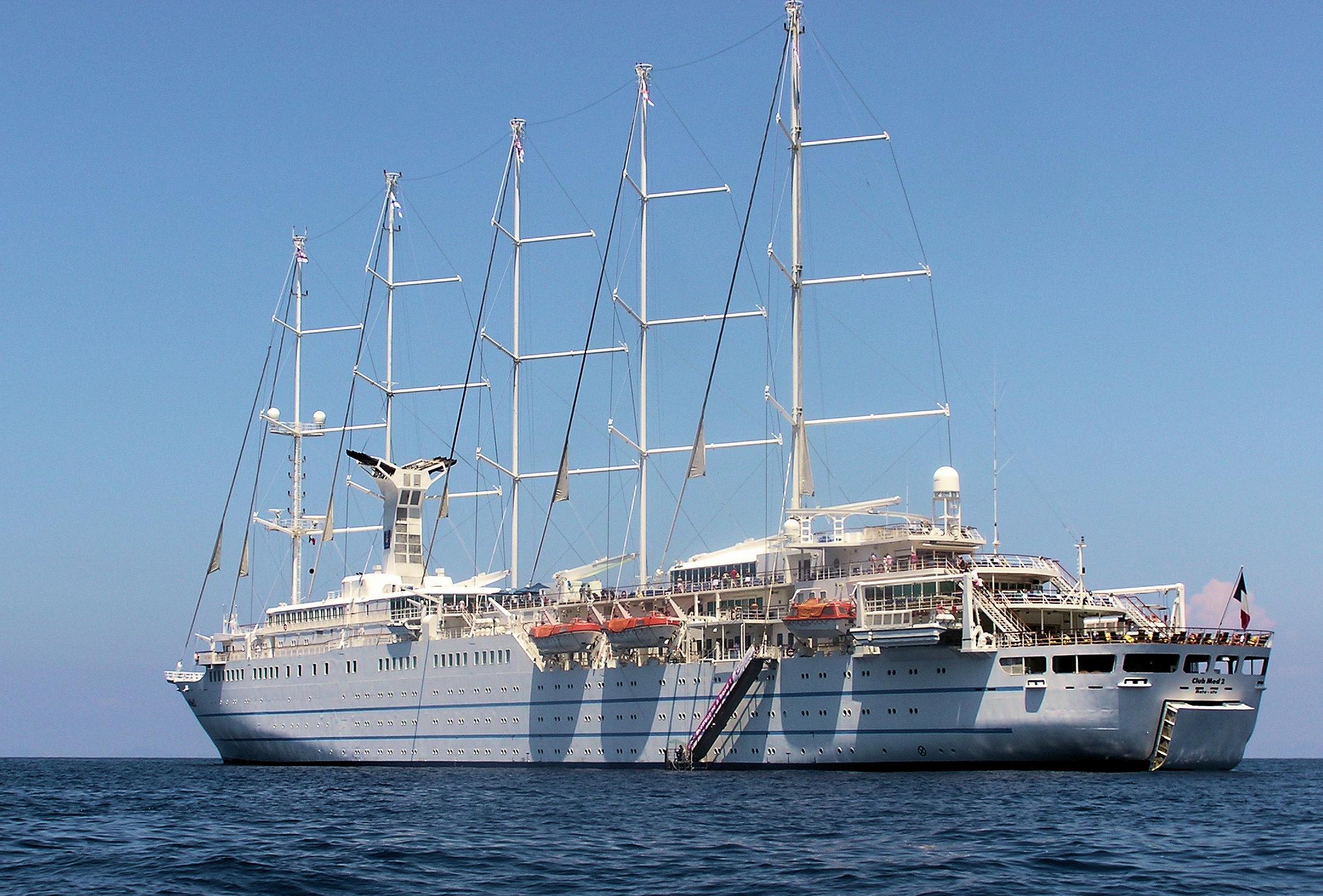 File Club Med 2 Capri Arp Jpg Wikipedia