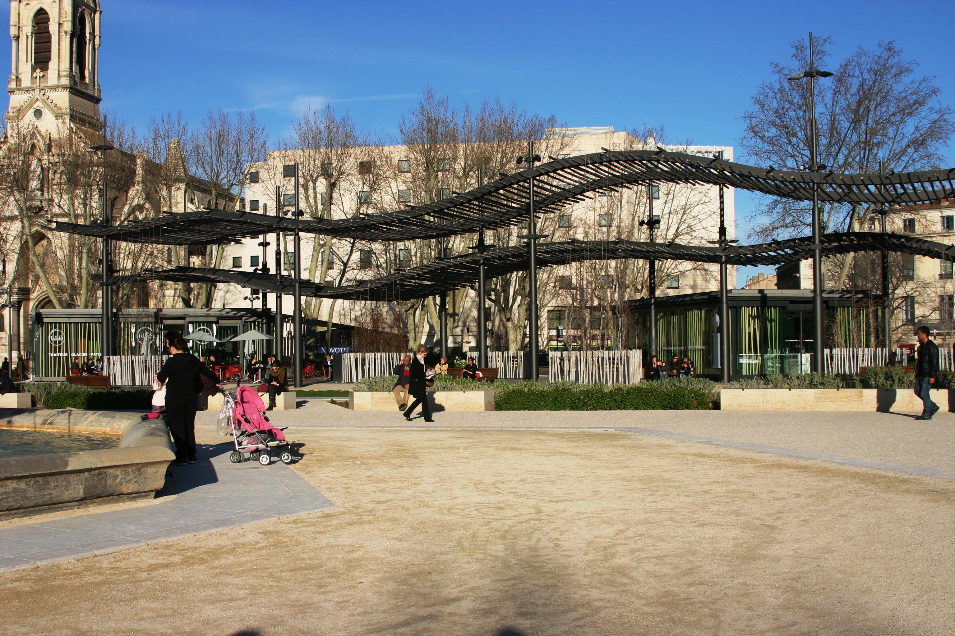File esplanade charles de gaulle n mes 2014 jpg wikimedia commons - Esplanade charles de gaulle ...