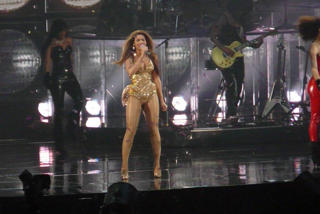 Beyoncé canlı performansları listesi - Vikipedi
