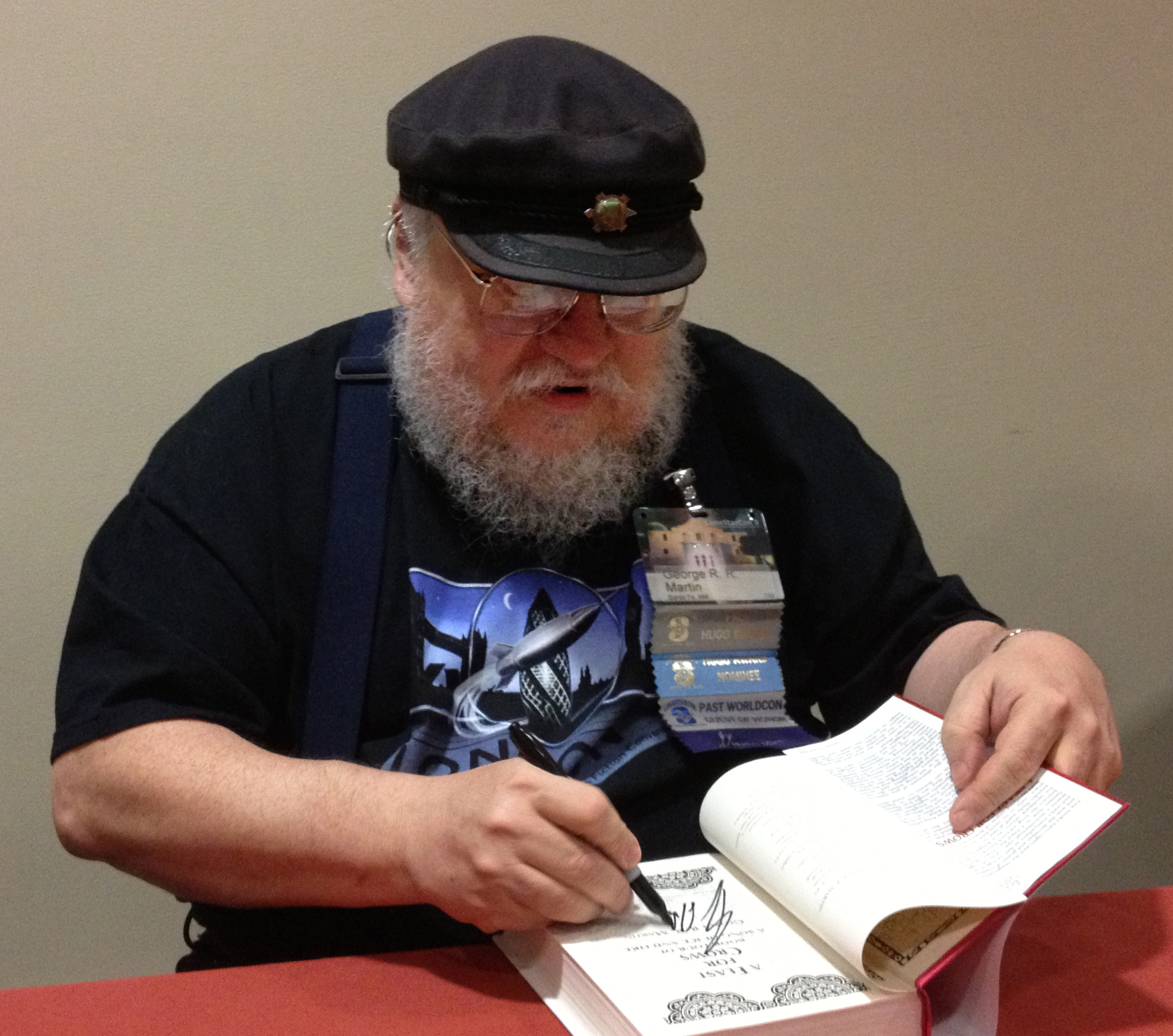 File:George R. R. Martin signing at LoneStarCon3.jpg - Wikimedia Commons