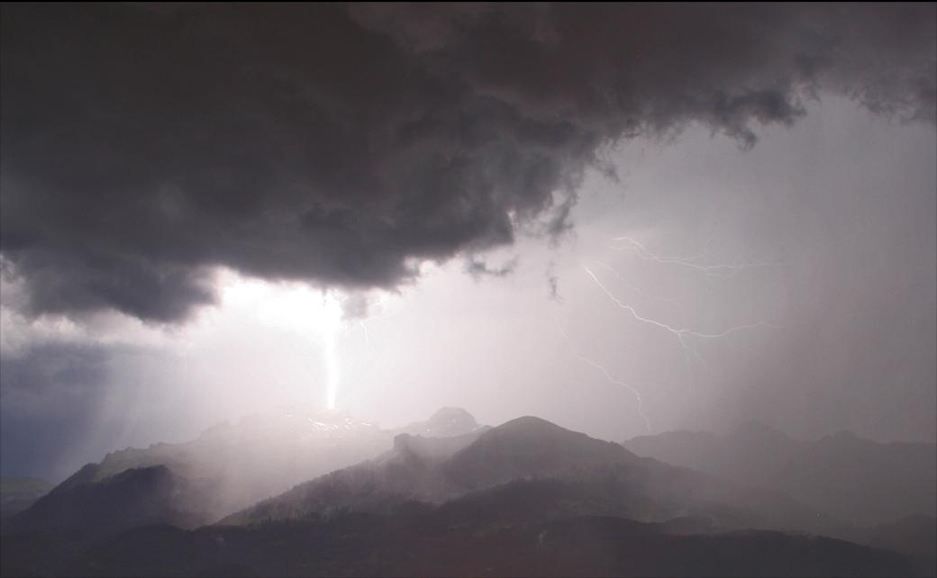 Spektakuläre Aufnahmen von Gewitter in Australien