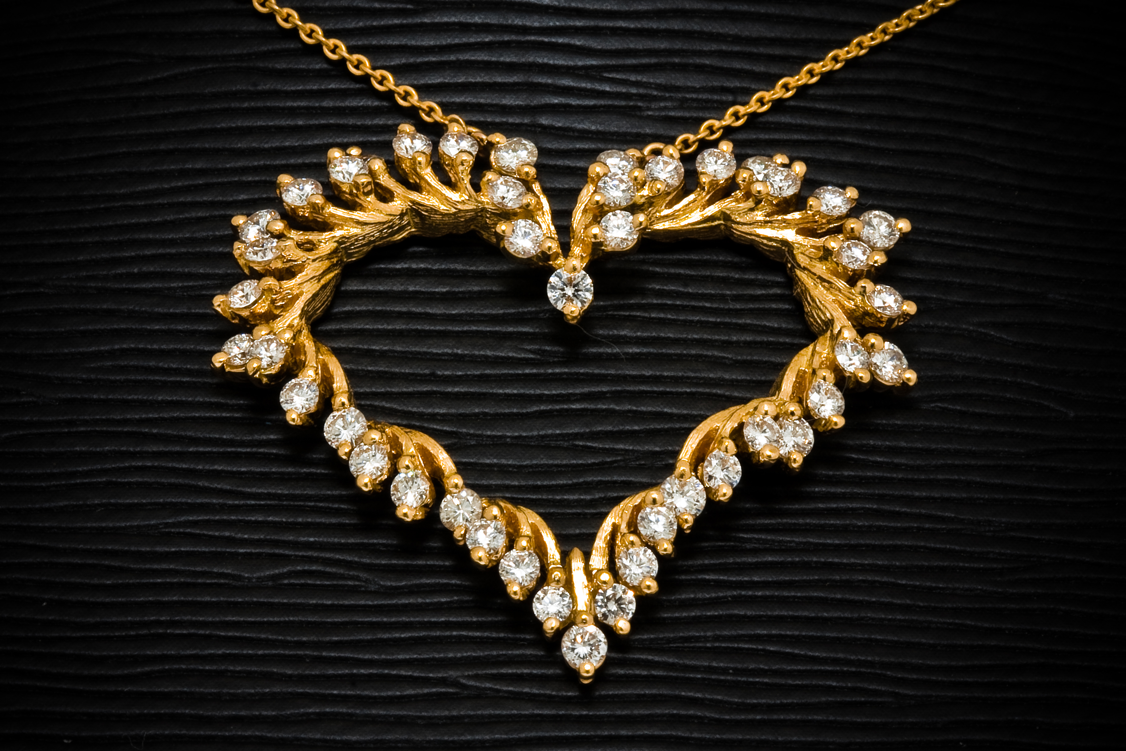File gold jewellery jewel henry designs for Simple gold ornaments