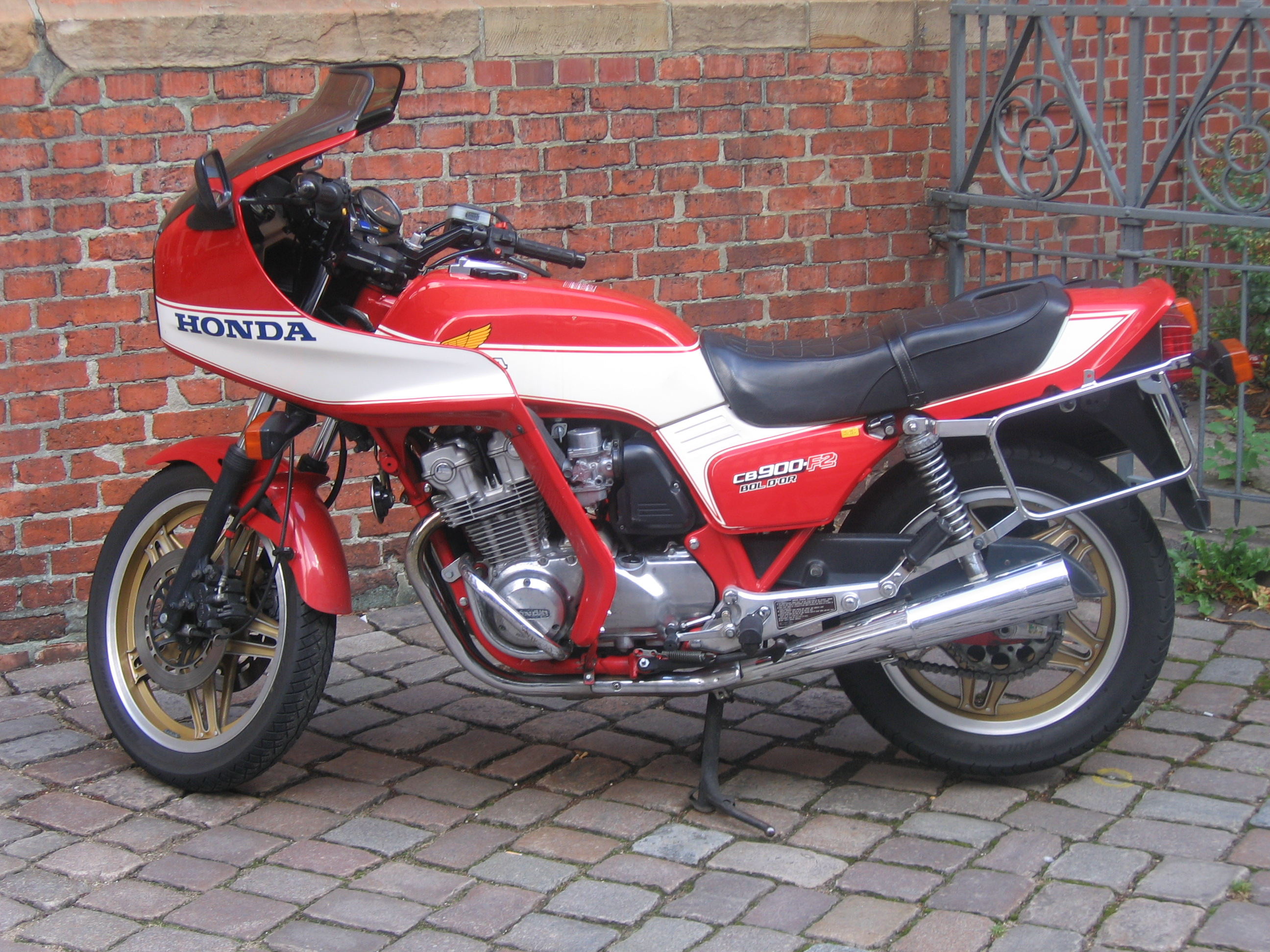 File:Honda CB 9... F2