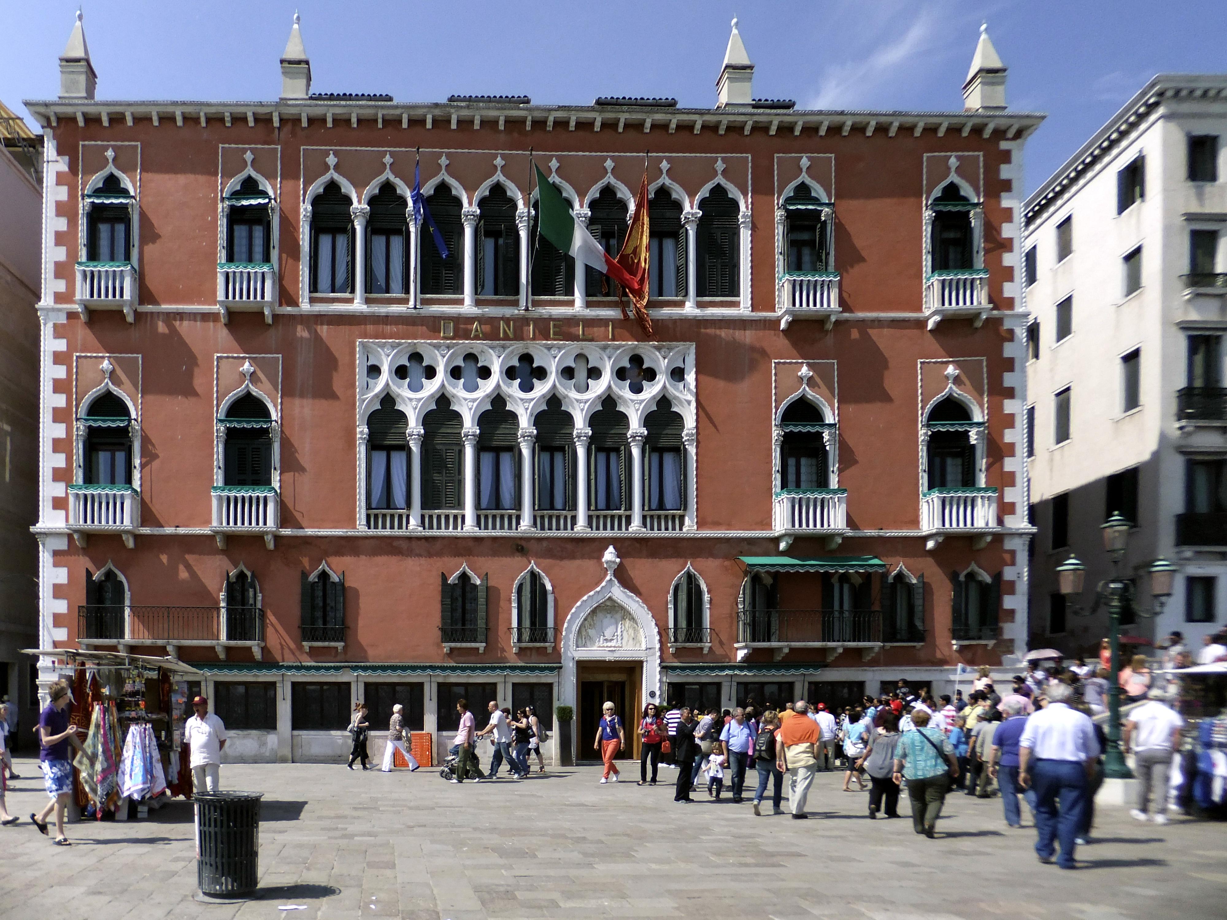File:Hotel Danieli-dandolo 2012.jpg - Wikimedia Commons