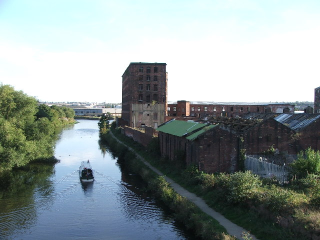 Hunslet Mills and the River Aire. - geograph.org.uk - 57132