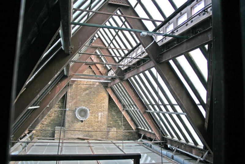File:JJHHUpperSkylight.jpg