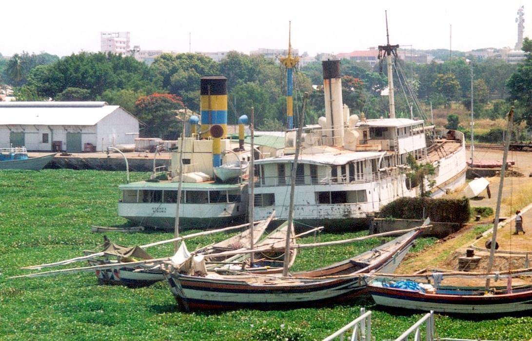 Kisumu Kenya  city images : Kenya Kisumu Harbour Hyacinths 1997ke09b21 Wikipedia, the ...