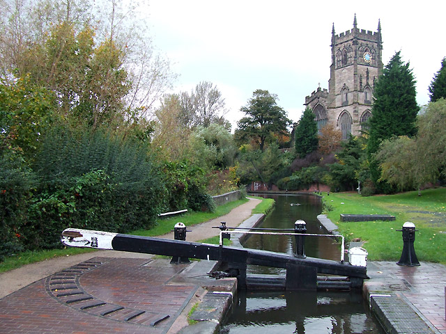 Kidderminster Lock, canal and St Mary's Church - geograph.org.uk - 1024553