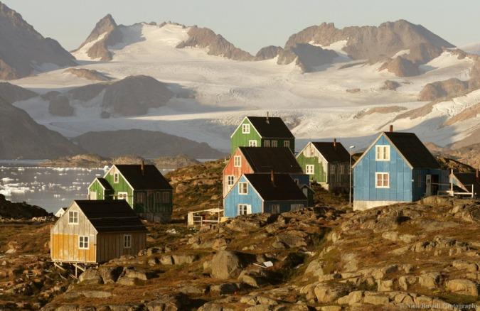 "Сликата ""http://upload.wikimedia.org/wikipedia/commons/d/da/Kulusuk%2C_Greenland.jpg"" не може да се прикаже бидејќи содржи грешки."