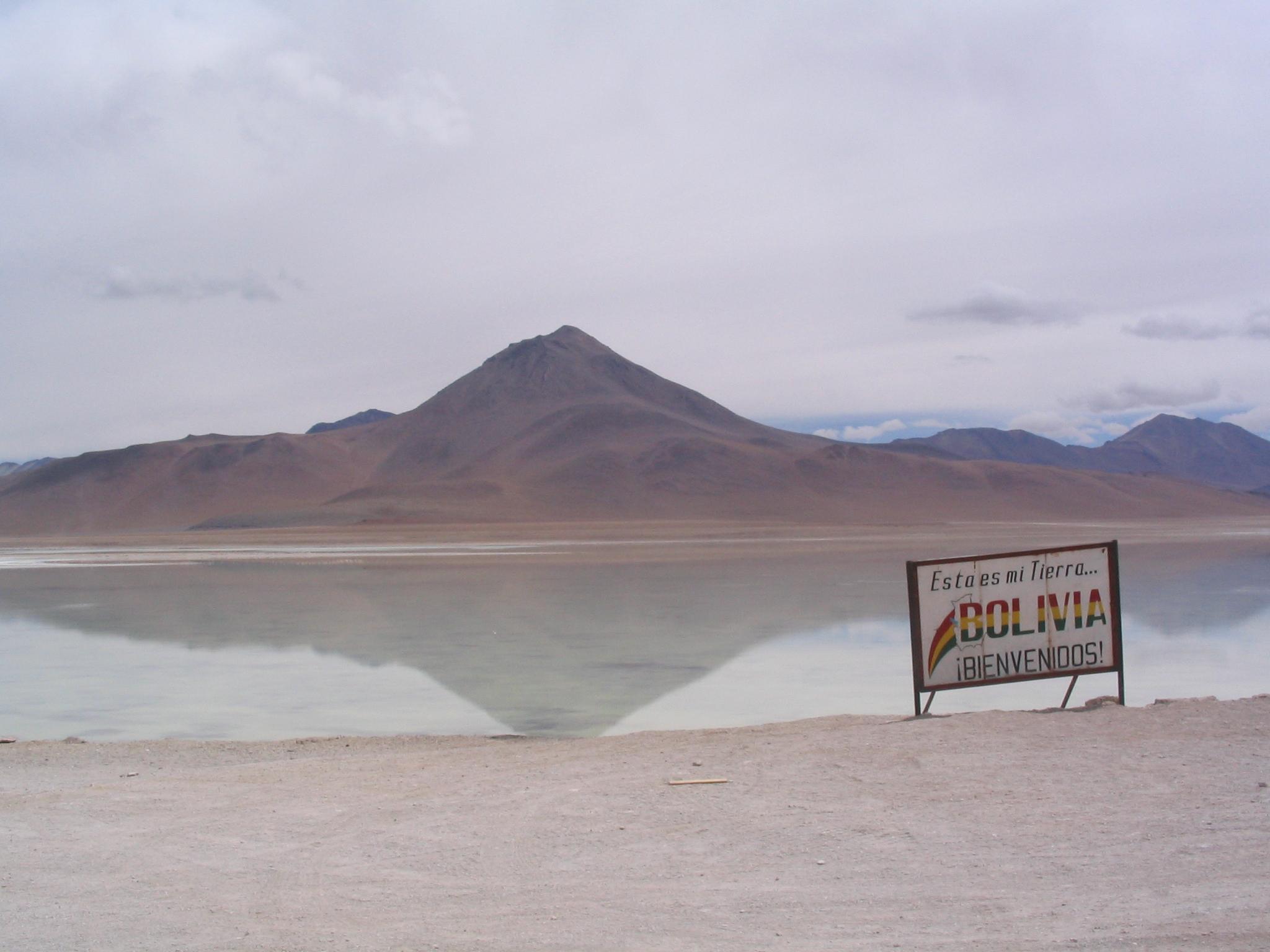 File:Laguna Blanca (Bolivia).jpg - Wikipedia  File:Laguna Bla...