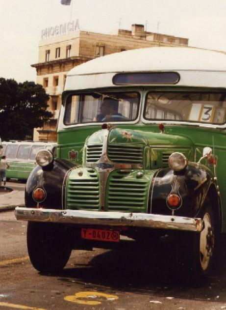 http://upload.wikimedia.org/wikipedia/commons/d/da/Malta_01_bus.jpg