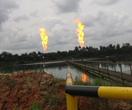 File:Niger Delta Gas-Flares.jpg