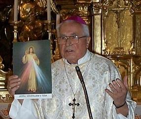 Pavol Hnilica slovak roman catholic bishop