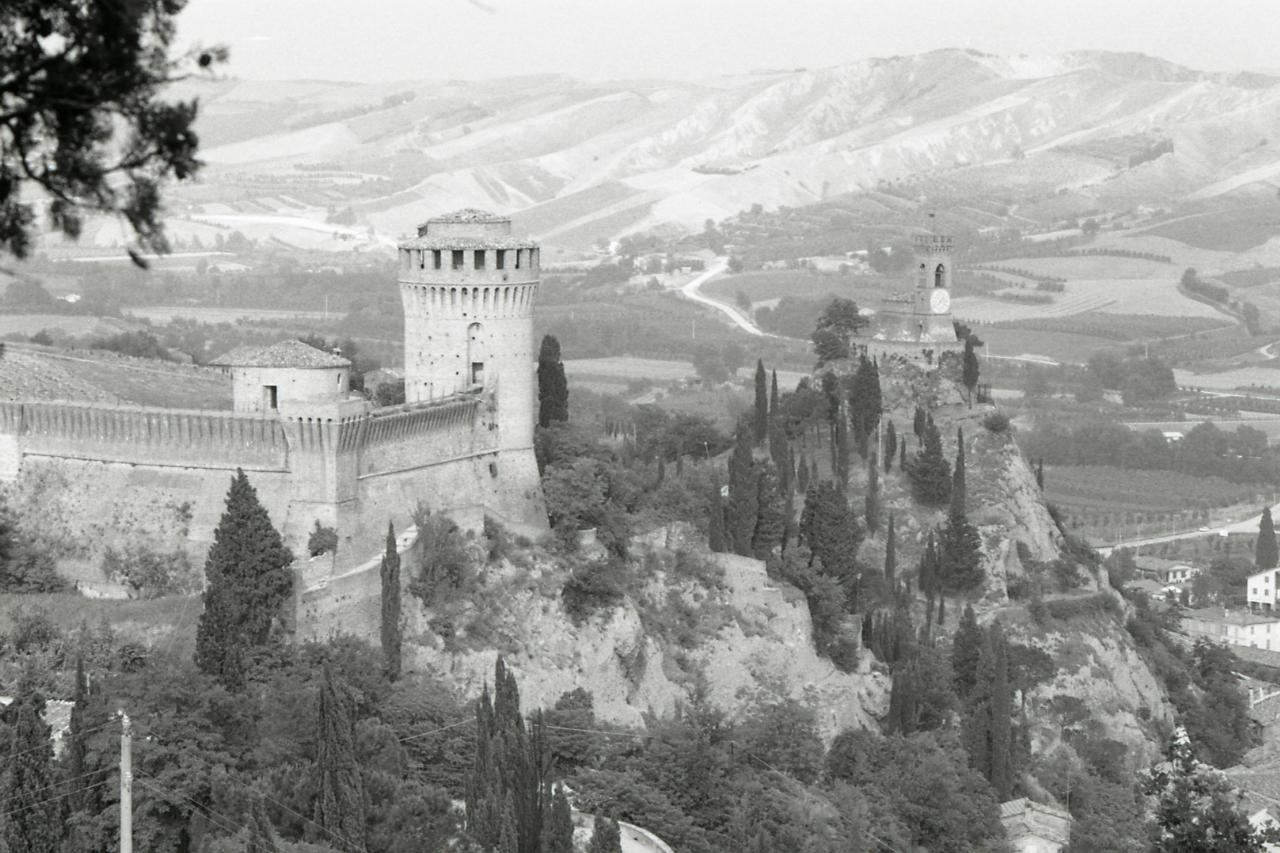 File:Paolo Monti - Servizio fotografico (Brisighella, 1974 ...