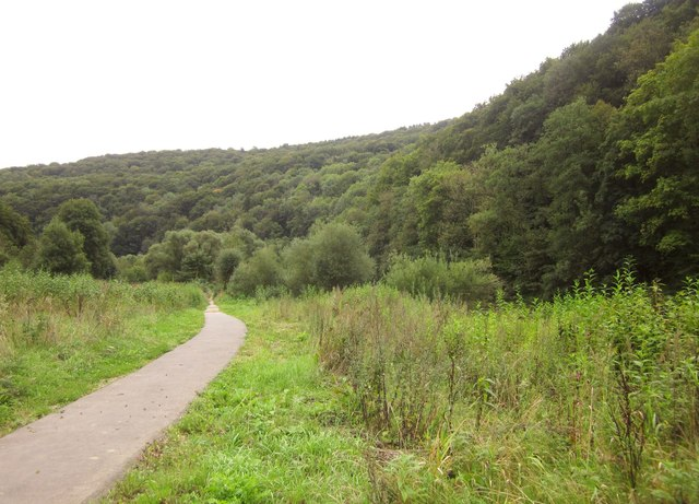 Path along the Sauer valley