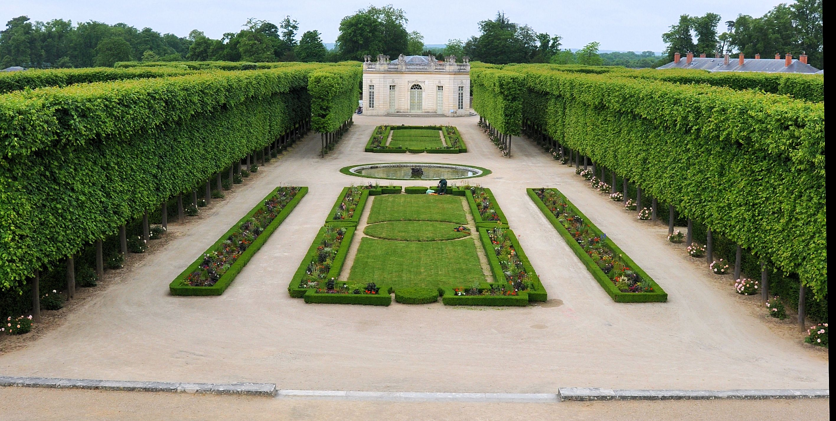 File petit trianon jardin fran wikimedia commons for Jardin francais