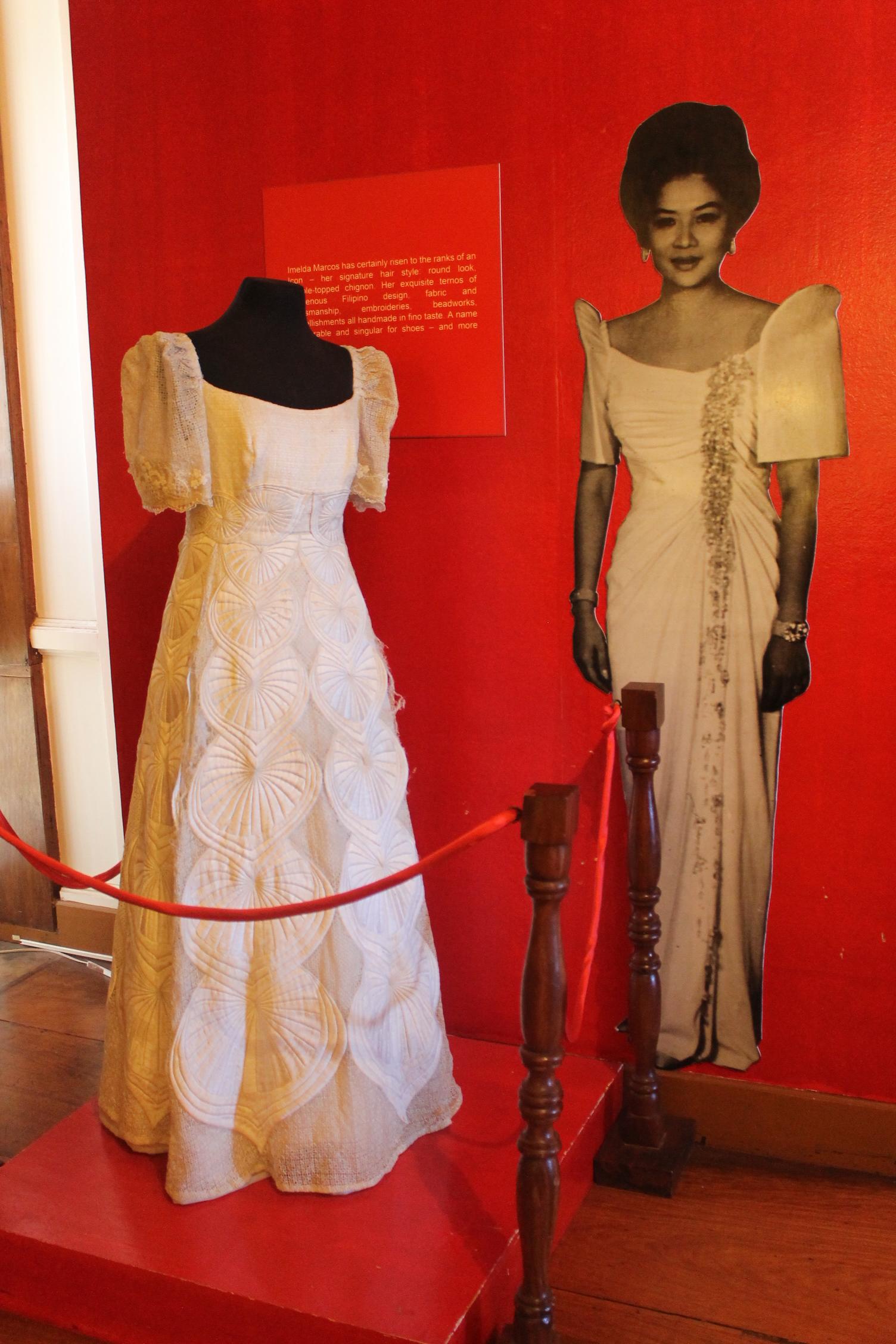 Maria Clara gown - Wikipedia