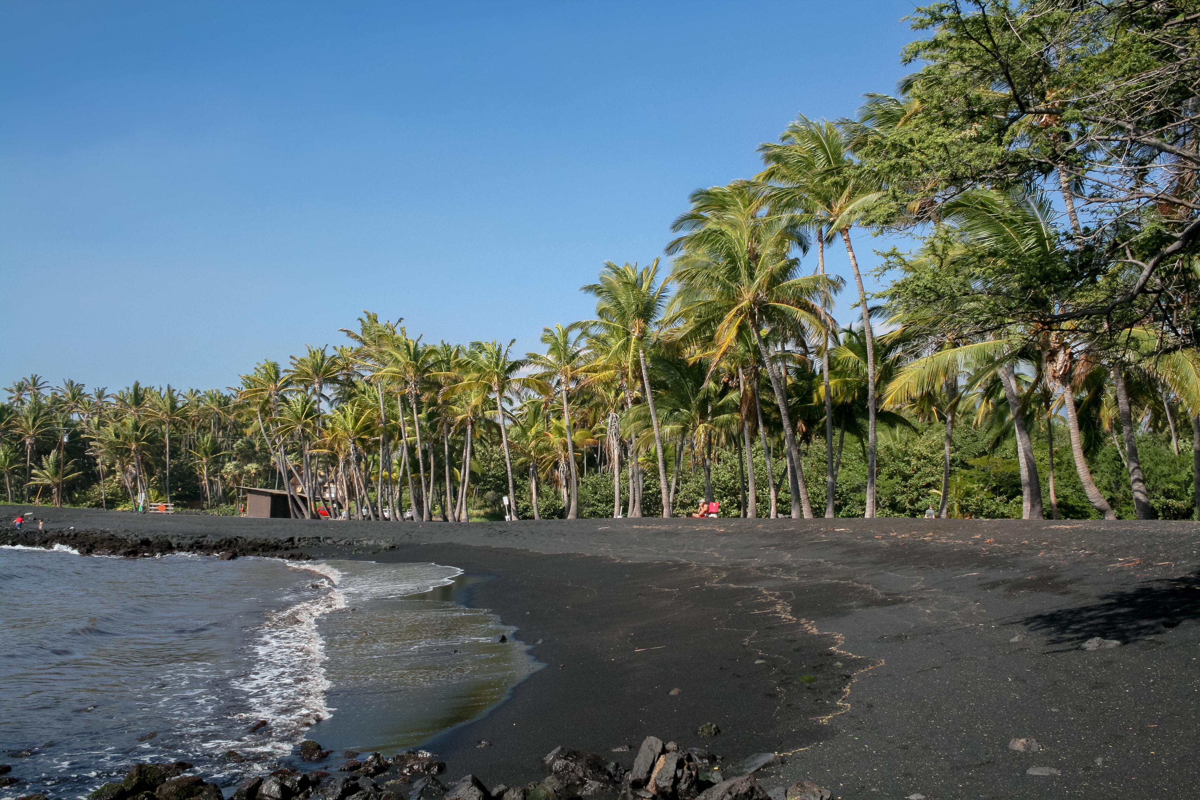 Black Sand Beach Big Island Of Hawaii