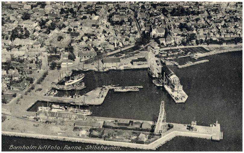 File:Rønne Havn and MS Frem.jpg