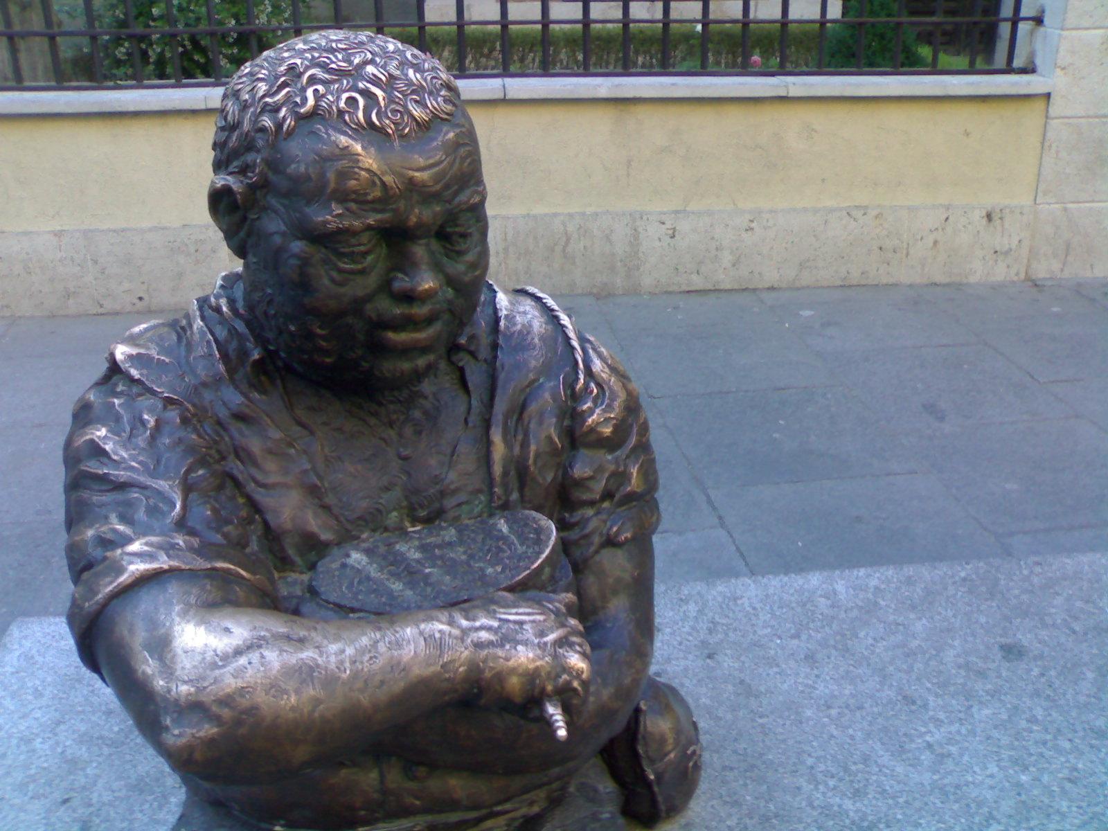 Statue of [[Sancho Panza