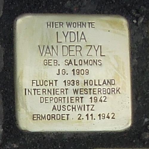 Stolperstein für Lydia van der Zyl