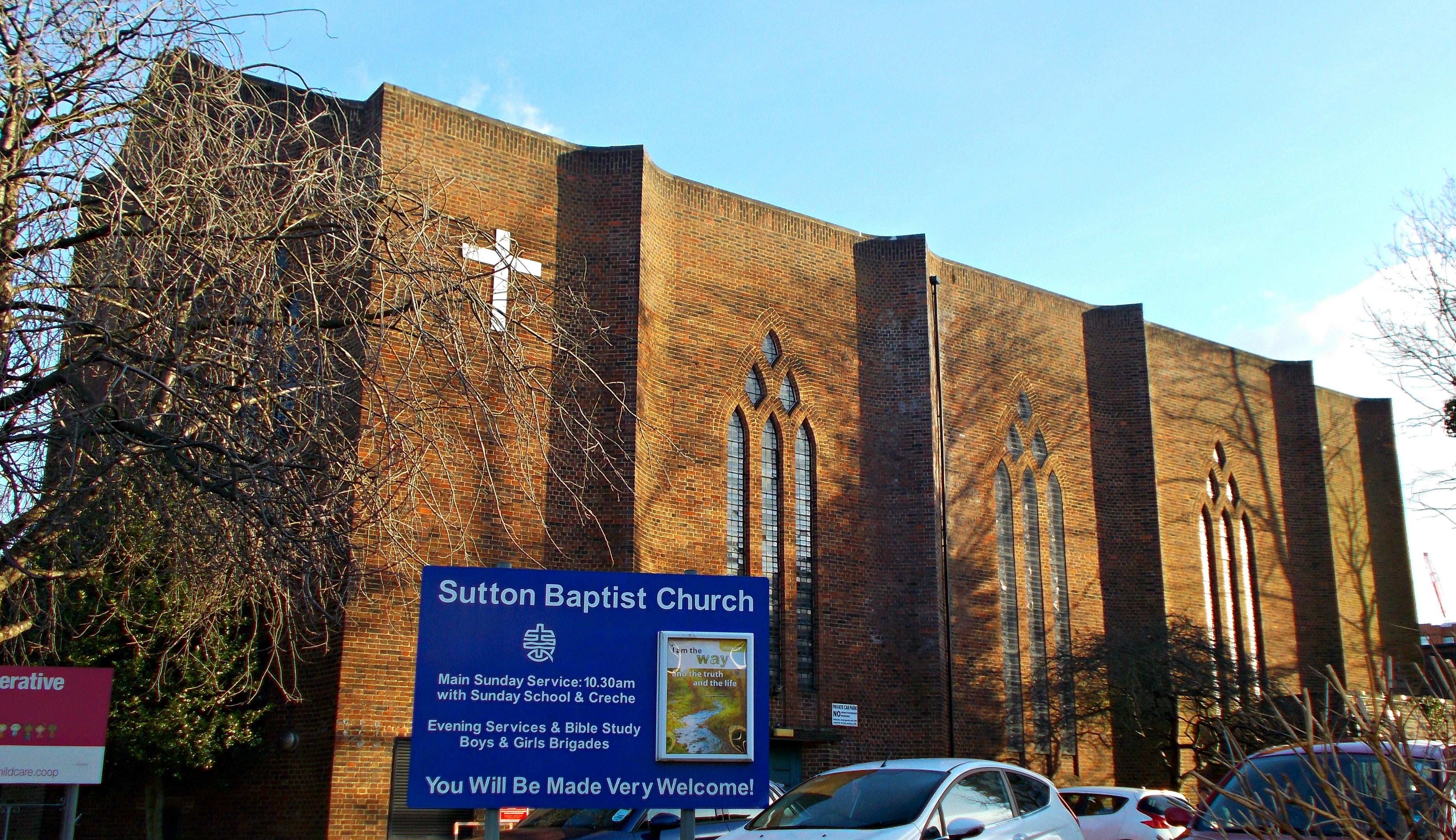 File:Sutton Baptist Church, SUTTON, Surrey, Greater London