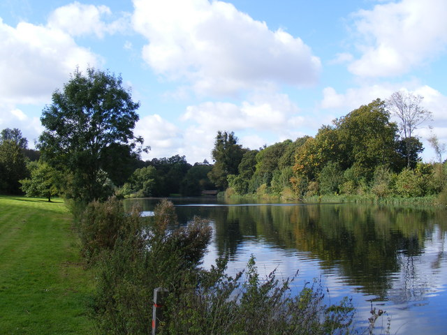 The Broadwater, Home Park, Hatfield House - geograph.org.uk - 579933