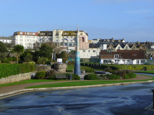 The Bude Light and Bude town - geograph.org.uk - 1036468