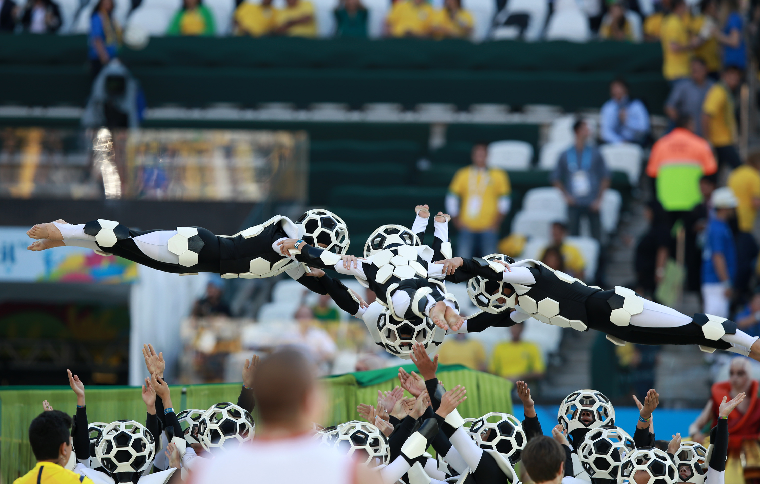 File:The opening ceremony of the FIFA World Cup 2014 35 ...