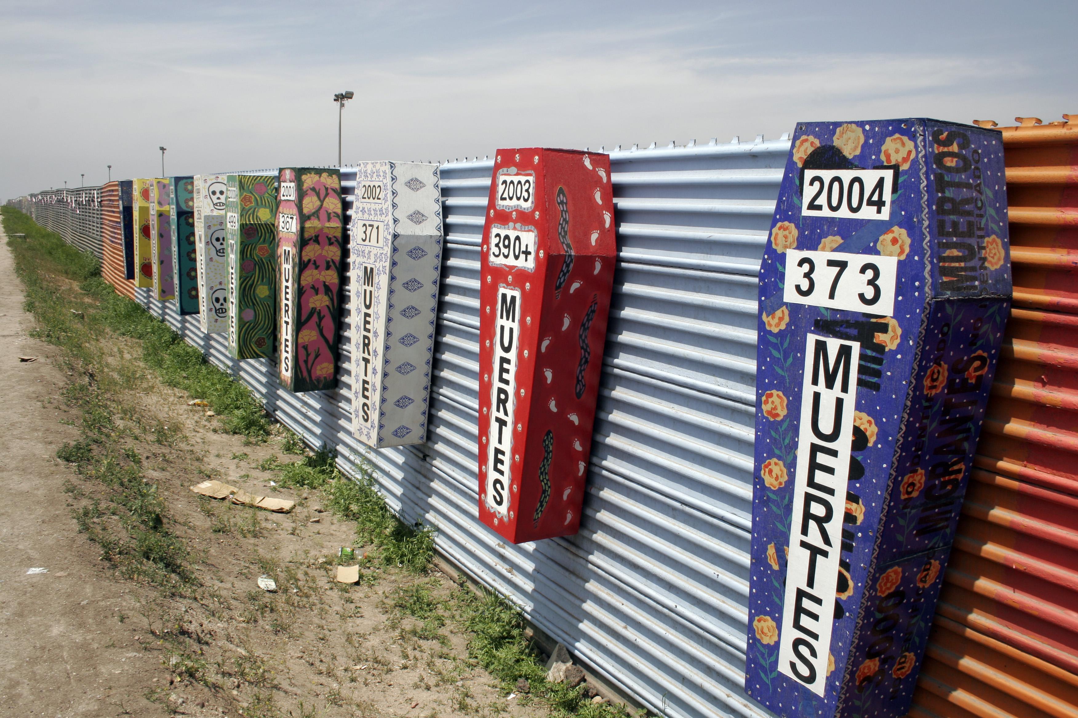 Risultati immagini per frontiera messico stati uniti