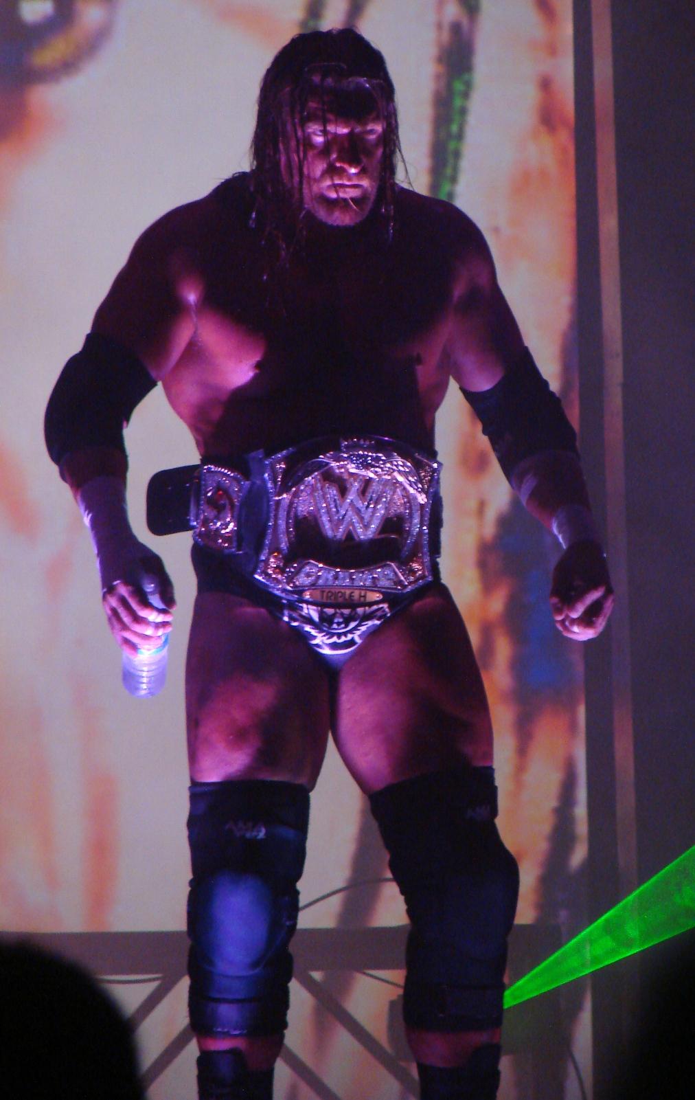 Annonce de Batista Triple_H_WWE_Champion_No_Mercy_07