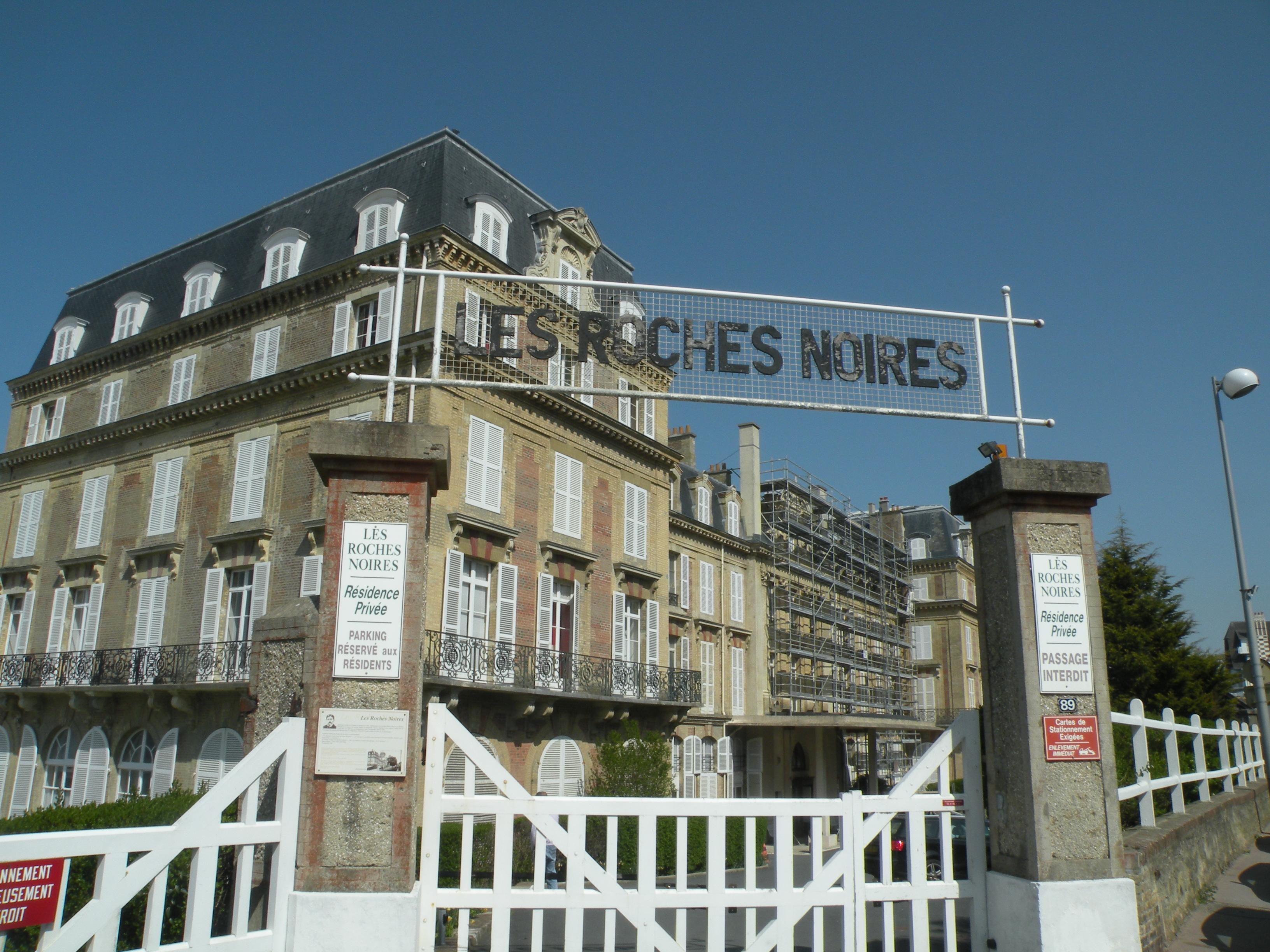 L Hotel De Ville De Trouville