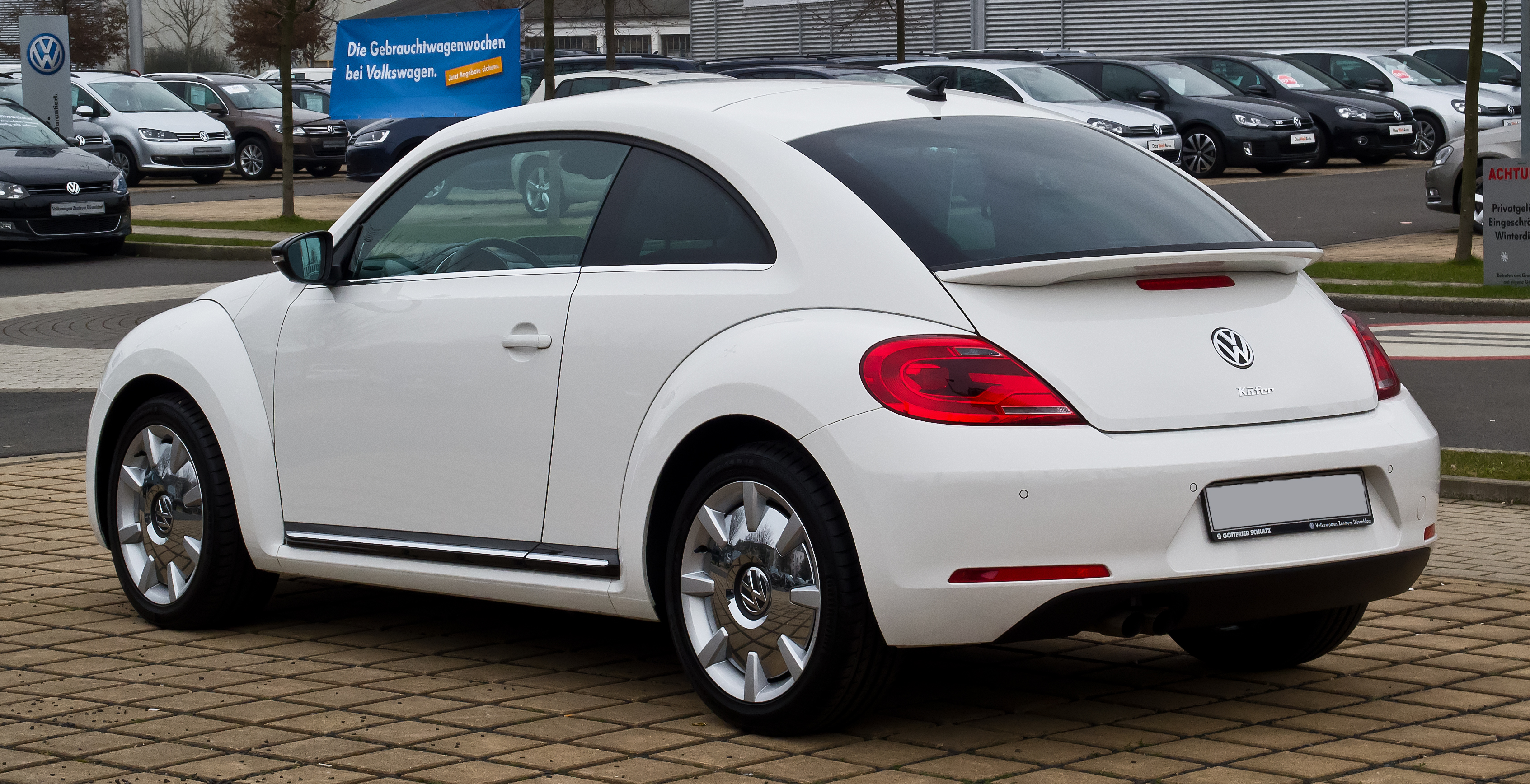 file vw beetle 1 4 tsi sport heckansicht 3 m rz 2013 d wikimedia commons. Black Bedroom Furniture Sets. Home Design Ideas