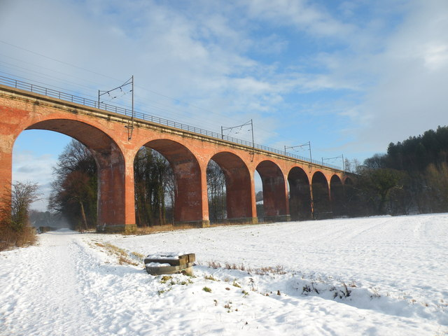 Viaduct over the Weardale Way - geograph.org.uk - 1633444