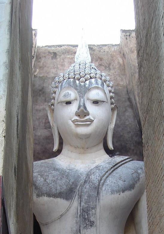 Wat Si Chum in Sukhothai.jpg