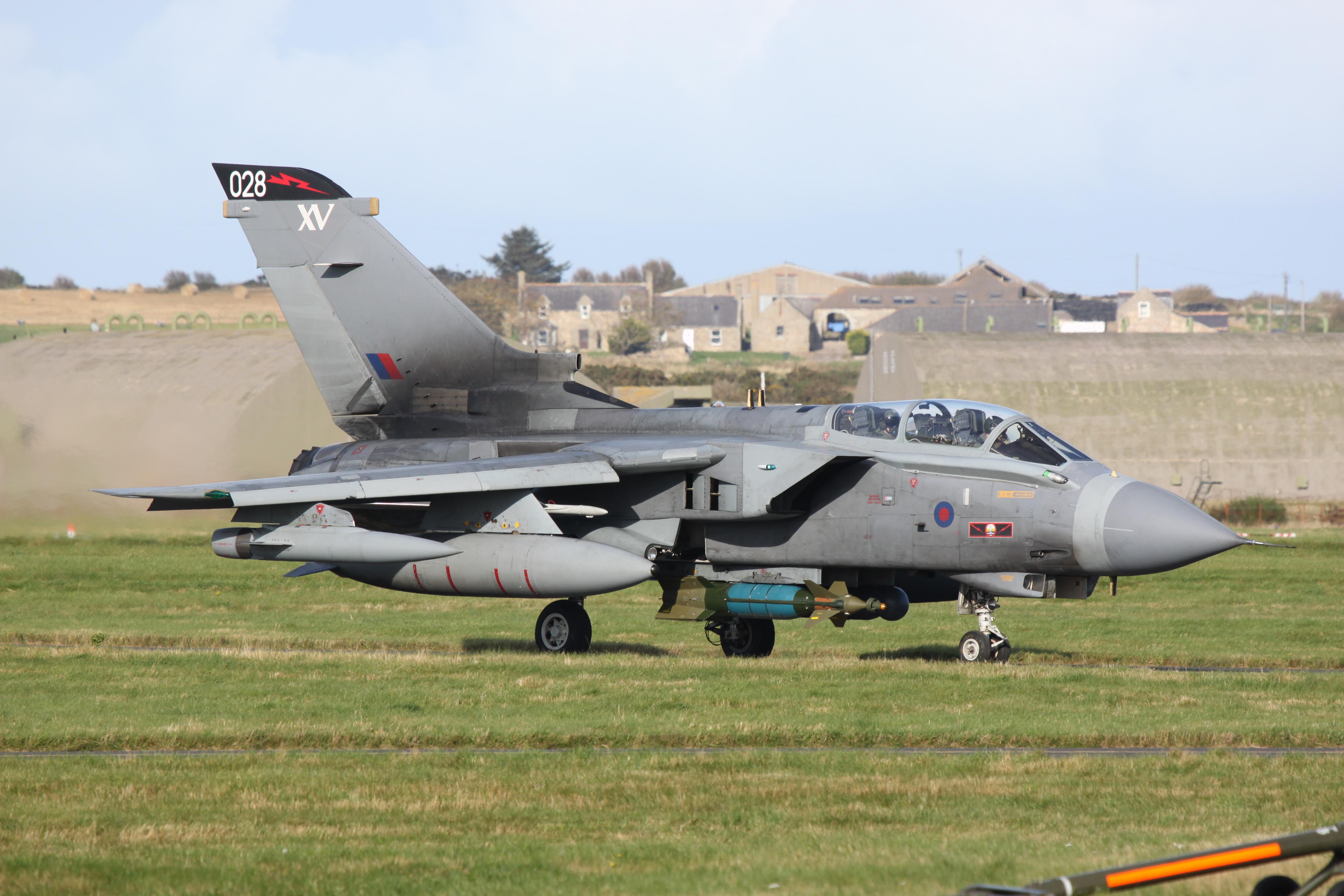 File Za463 028 Tornado Gr4 Hybrid 617 15 Squadron Marks