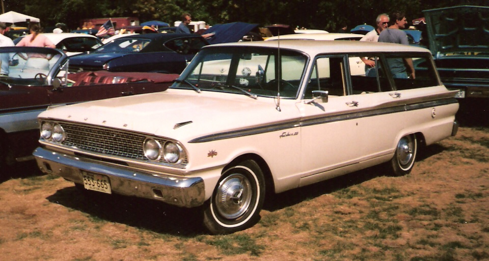 File1963 Ford Fairlane 500 Ranch Wagon