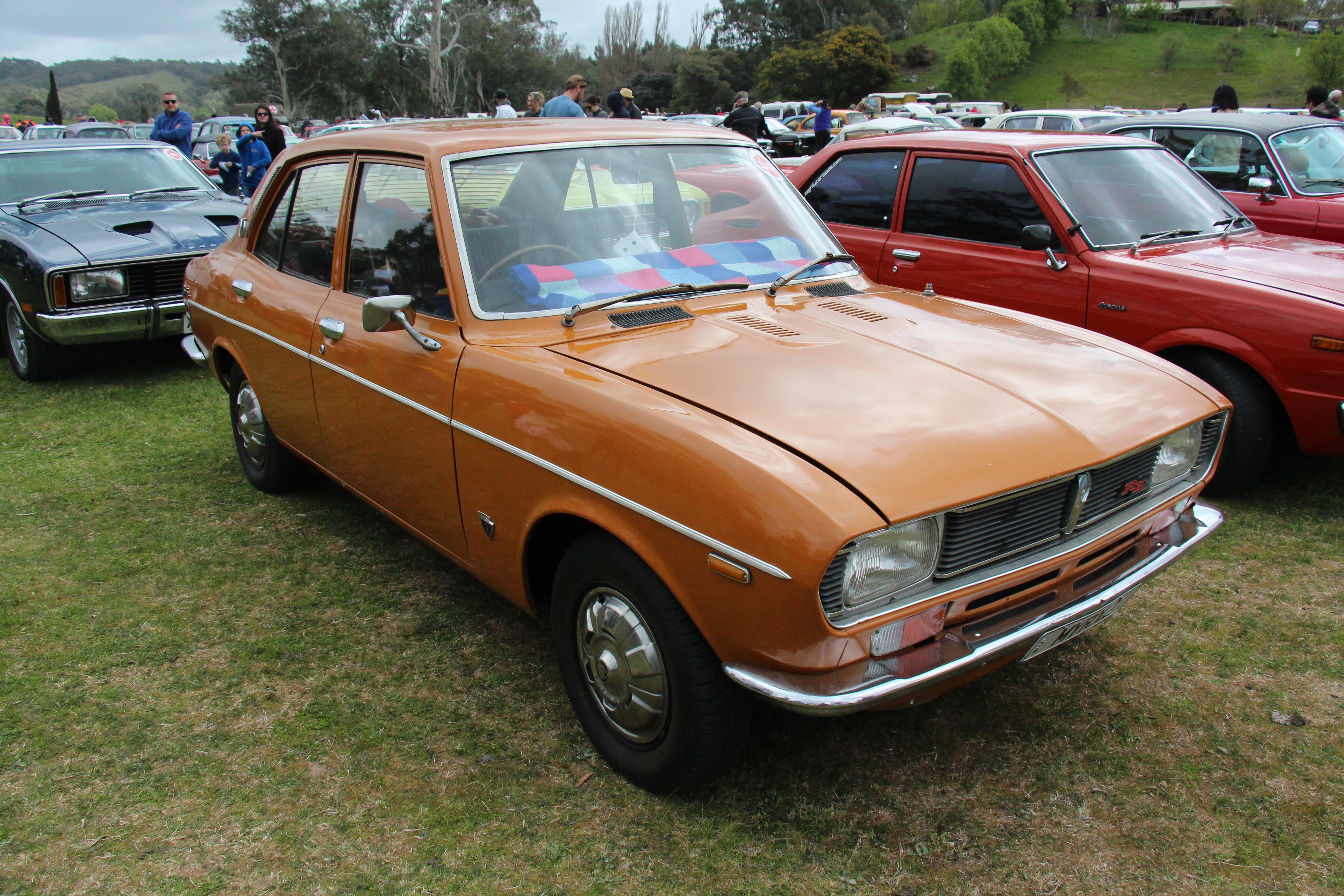 1971 Mazda Rx2: File:1971 Mazda RX2 Sedan (36688620914).jpg