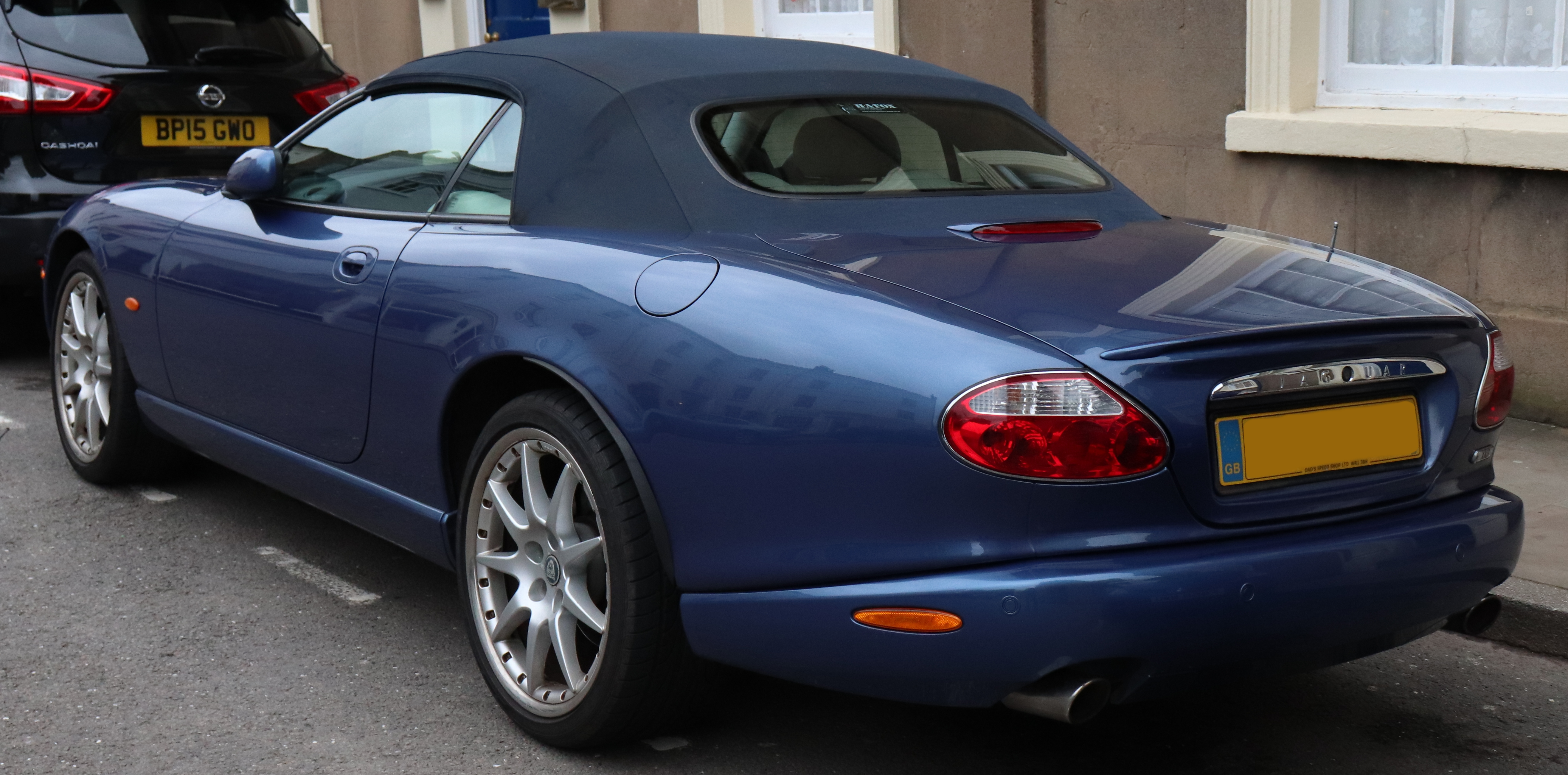 File:2005 Jaguar XK8 Convertible Automatic 4.2 Rear
